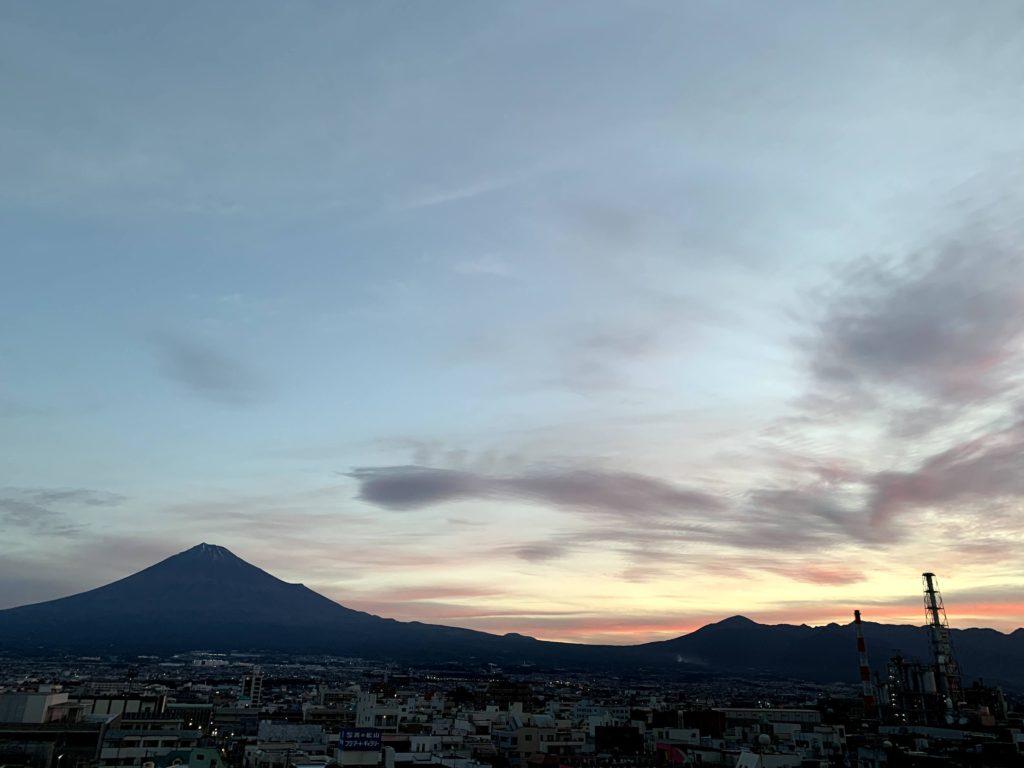 夕暮れ富士山201031